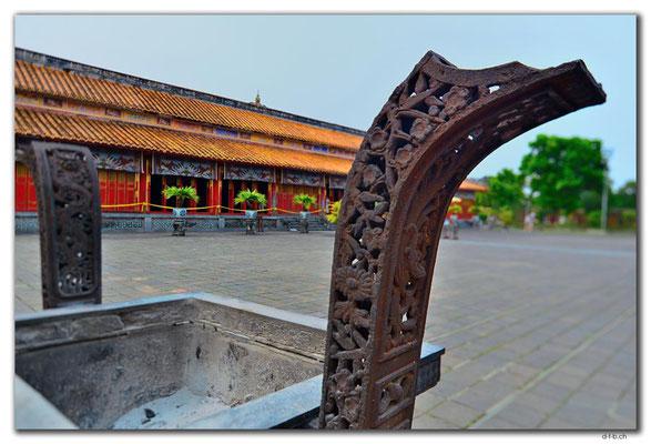 VN0172.Hue.Citadel.Tho Mieu Temple Complex