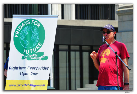 NZ0457.Wellington.Dave Lowe at Fridays for future