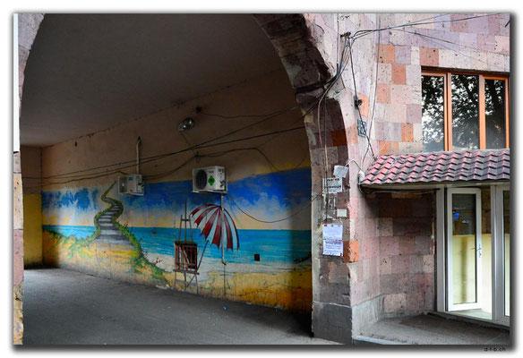 AM034.Yerevan.Bemalter Durchgang