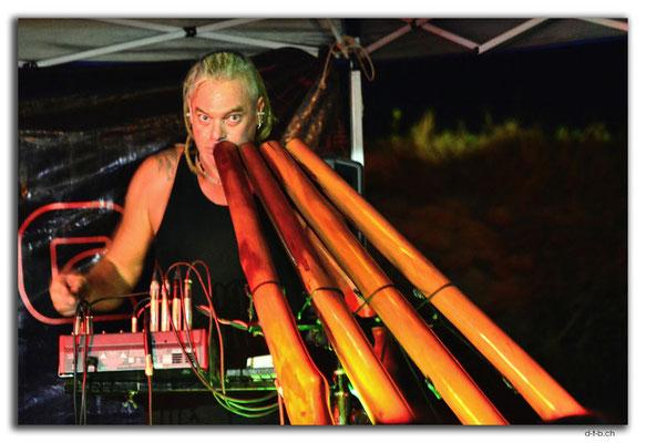 M0025.Darwin.Australien. Didgeridoo