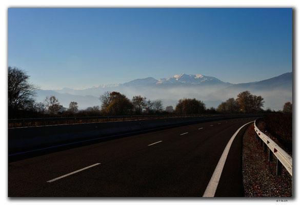 GR0261.Schneebedeckte Berge