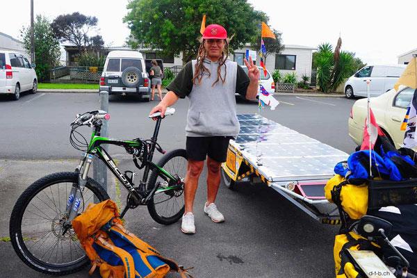 NZ: Solatrike in Ruakaka mit Maori Nigel