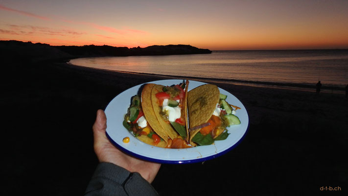 AU:Sandy Cape, Tacos at the Beach