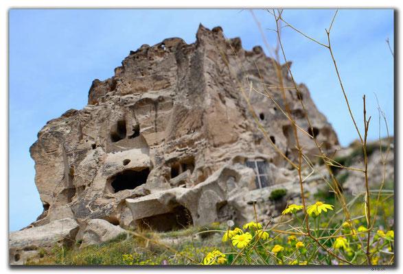 TR0729.Uchisar Castle