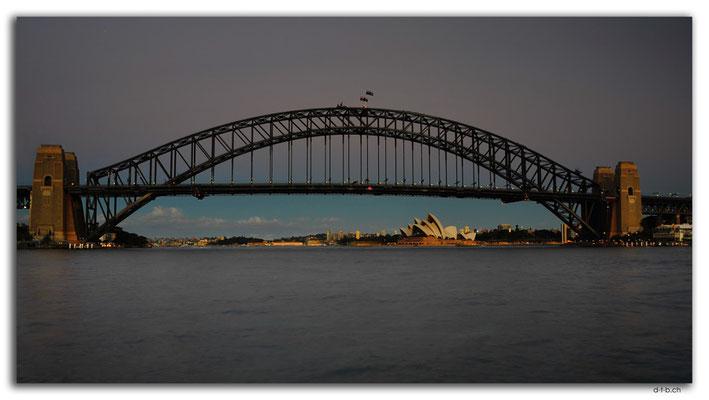 AU1661.Sydney.Opera House & Harbour Bridge.McMahon Point