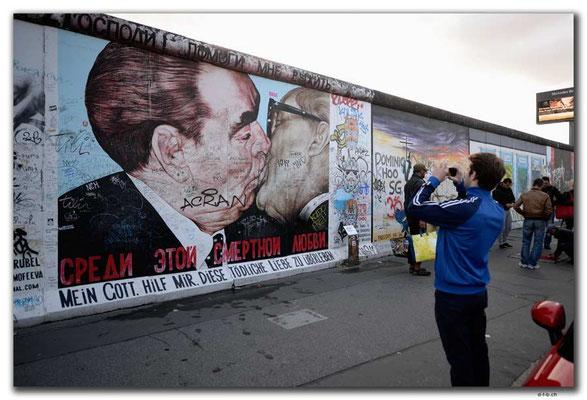 DE279.Berliner Mauer