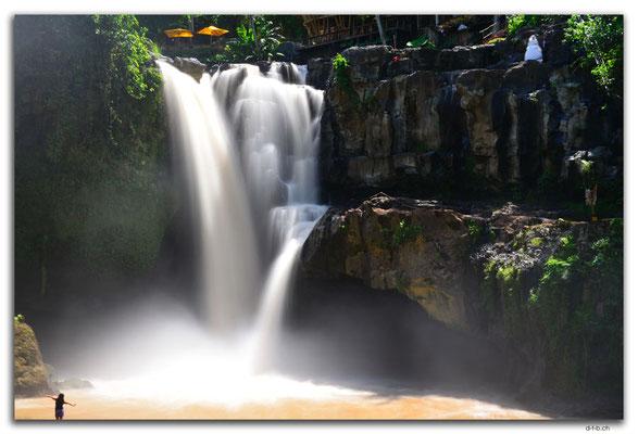 ID0116.Sukawati.Tegenungan Waterfall
