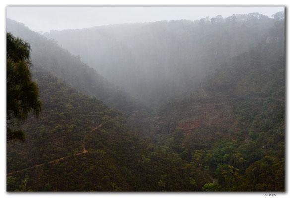 AU1109.Adelaide.Morialta Falls im Regen