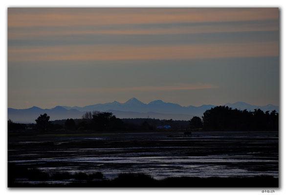 NZ0969.Christchurch.Hibburt Park.Mountain view