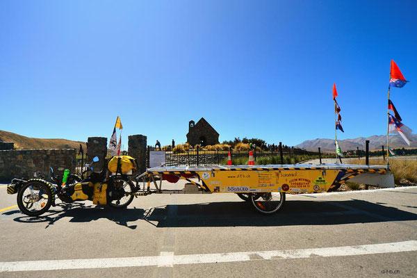 NZ: Solatrike bei Kirche des guten Hirten in Lake Tekapo