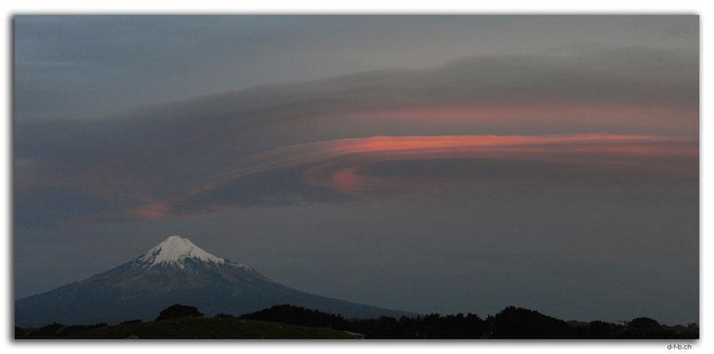 NZ0404.Mt.Taranaki view from Cape Egmont Boat Club