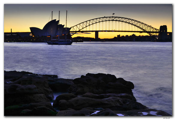 AU1634.Sydney.Opera House & Harbour Bridge