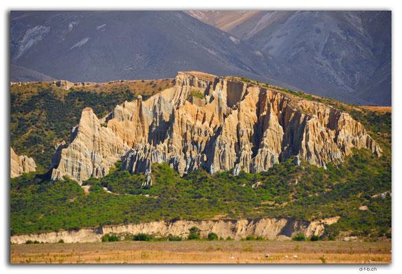 NZ0817.Clay Cliffs.Omarama