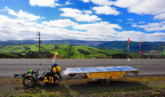 NZ: Solatrike an der Kauricoast