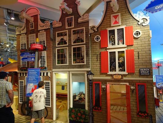 Urlaub in Ottawa: Begehbare kleine Häuser im Kindermuseum.