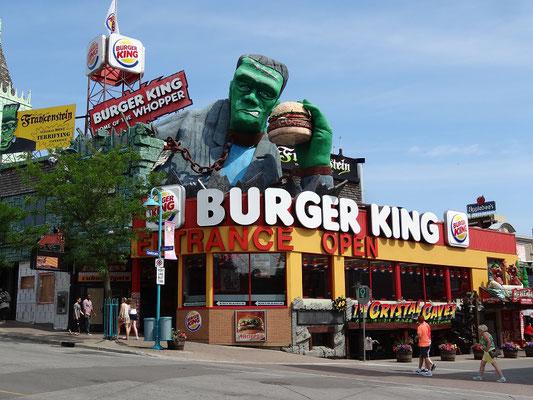 Niagara Falls: Mächtiger Mitesser bei diesem Burger King in Clifton Hill.