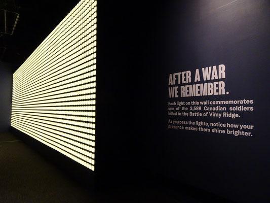 Urlaub in Ottawa: Gedenktafel aus Lichtern im War Museum.