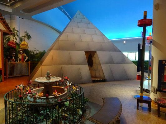 Urlaub in Ottawa: Begehbare Pyramide im Kindermuseum.