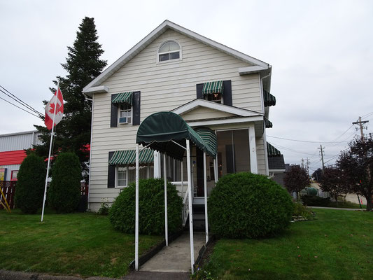 Urlaub in New Brunswick: Idyllisches Bed and Breakfast in Grand Falls direkt neben dem Baumarkt.