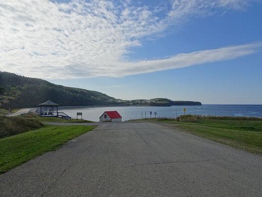 Auf der Route 132 um die Gaspésie-Halbinsel: Kurze Rast am Sankt-Lorenz-Strom.