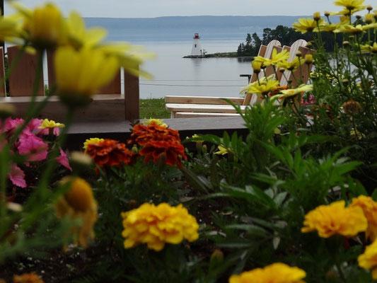Bild von der Terrasse der Alexander Graham Bell-Gedenkstätte in Baddeck auf Cape Breton Island.