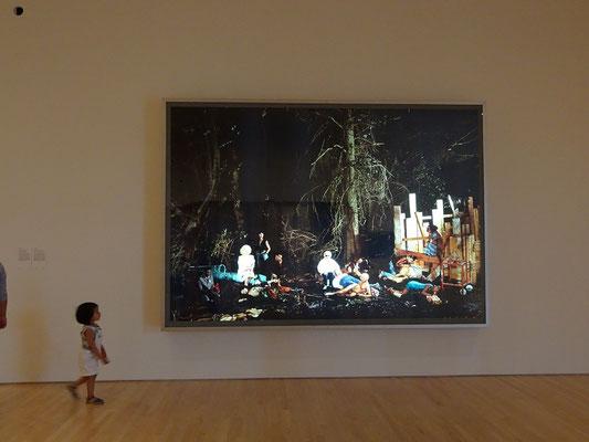 Urlaub in Ottawa: Auch kleine Besucher zeigen Kunstinteresse in der Nationalgalerie.