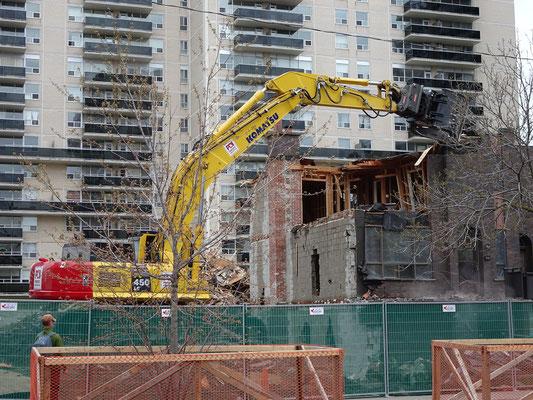 Ein weiteres untrügliches Zeichen für Frühling in Toronto: Bauarbeiten!