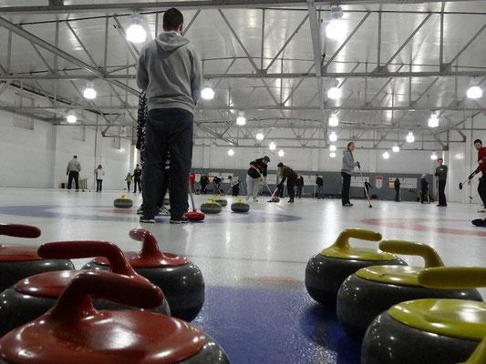 """Curling in Toronto: Auf dieser Bahn (""""Sheet"""") wurde viel gewischt und gut getroffen."""