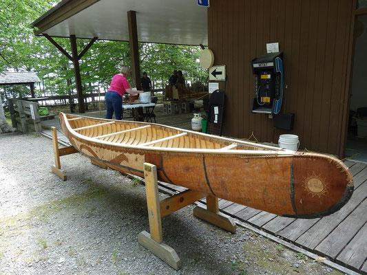 Vorführung im Kejimkujik National Park: So wird das fertige Kanu aussehen.