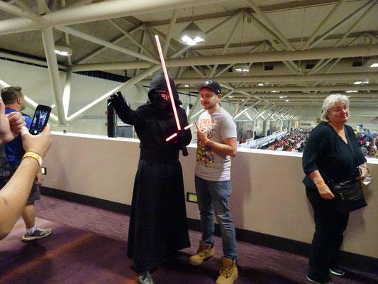 FanExpo 2016 in Toronto: Foto mit Kylo Ren aus dem letzten Star Wars Film.