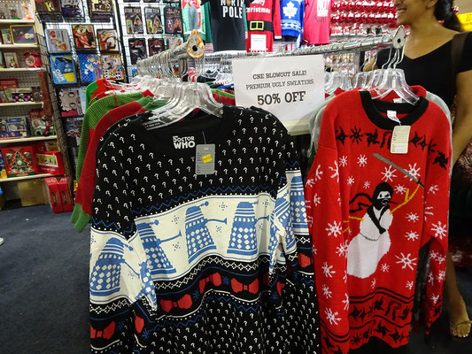 Verkaufsstände auf der Canadian National Exhibition in Toronto: Hier ein Stand mit extra hässlichen Pullovern.