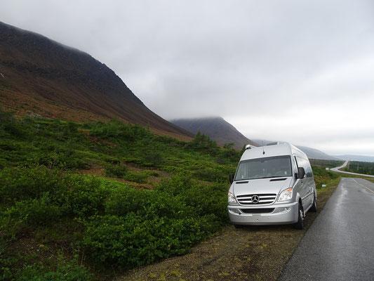 Wandern im Gros Morne National Park: Parken kann man am Trail Head.
