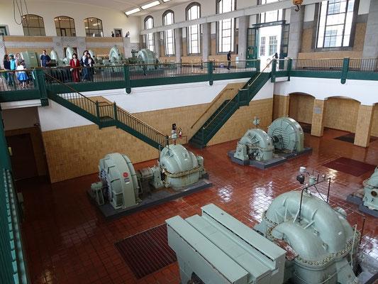 Blick auf einige der Pumpen im R.C. Harris Water Treatment Plant.
