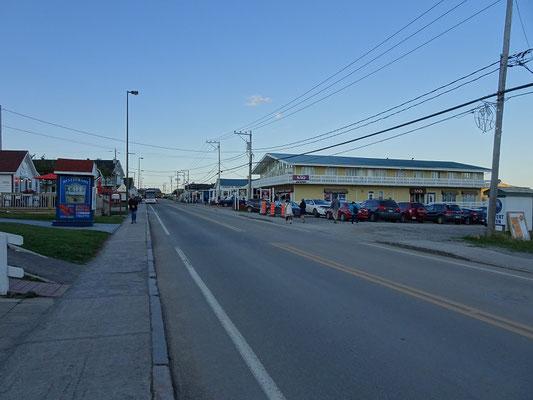 """Urlaub in Quebec: Blick auf die """"Innenstadt"""" von Percé."""