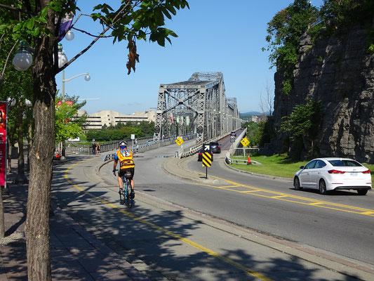 Urlaub in Ottawa: Blick auf die Alexandra Bridge.