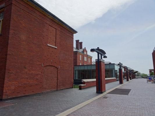 Eine rollstuhlfreundliche Ebene verbindet jetzt die Gebäude der ehemaligen Klinik.