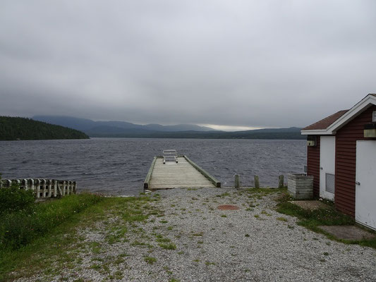 Gros Morne Nationalpark: Steg am Trout River Pond.