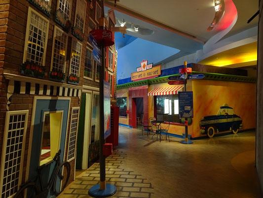 Urlaub in Ottawa: Häuser und Geschäfte im Kindermassstab im Kindermuseum.