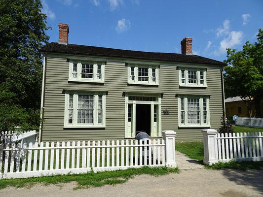 Black Creek Pioneer Village in Toronto: Das Burwick House aus dem Jahre 1844 beherbergte eine wohlhabende Familie.