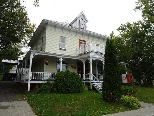 Urlaub in Quebec: Blick auf das HI Hostel von Riviére-du-Loup.