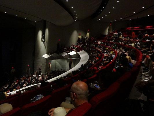 Riesen-Andrang bei einer Fragestunde auf der FanExpo 2015 in Toronto.