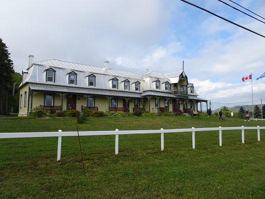 Urlaub in Quebec: Fotogenes kleines Rathaus in Port Daniel Gascons.