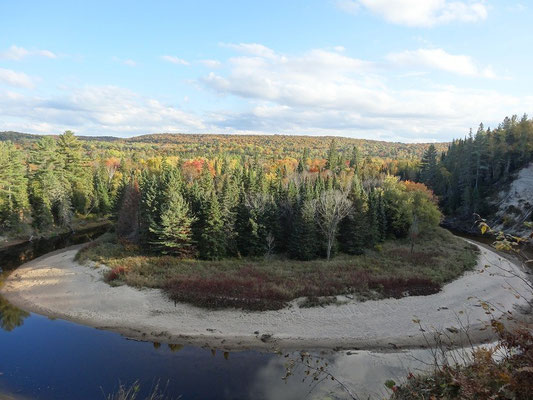Fall Colors im Arrowhead Provincial Park.