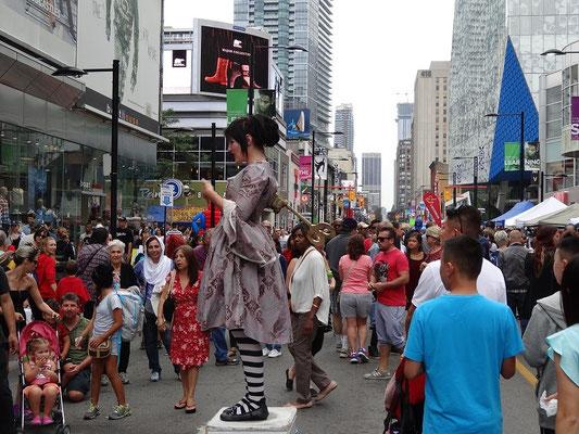 Gaukler beim Busker Fest in Toronto.