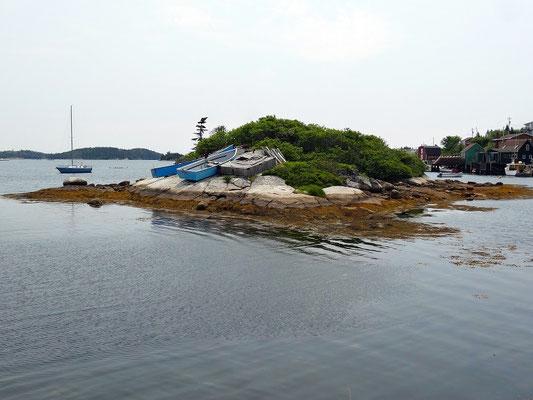 Boote in einer Bucht auf dem Weg nach Peggy's Cove.
