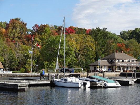 Boote und Bäume: Wir sind in Ontario.