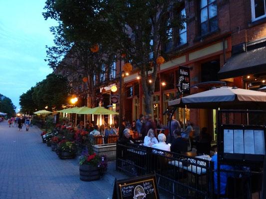 Restaurants und Bars sind in der kompakten Innenstadt von Charlottetown bequem zu Fuss zu erreichen.