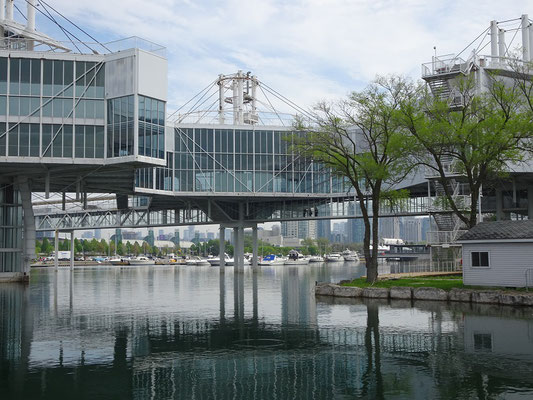 Ontario Place: Futuristische Konstruktion im Ontariosee.