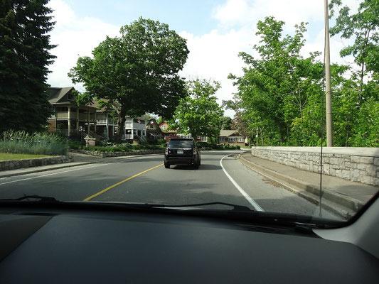 Vom Bahnhof Niagara Falls kann man auch in einer guten halben Stunde in die Stadt laufen. Taxi ist aber schneller.