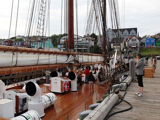 Segelschiff Bluenose II im Hafen von Lunenburg, Nova Scotia.